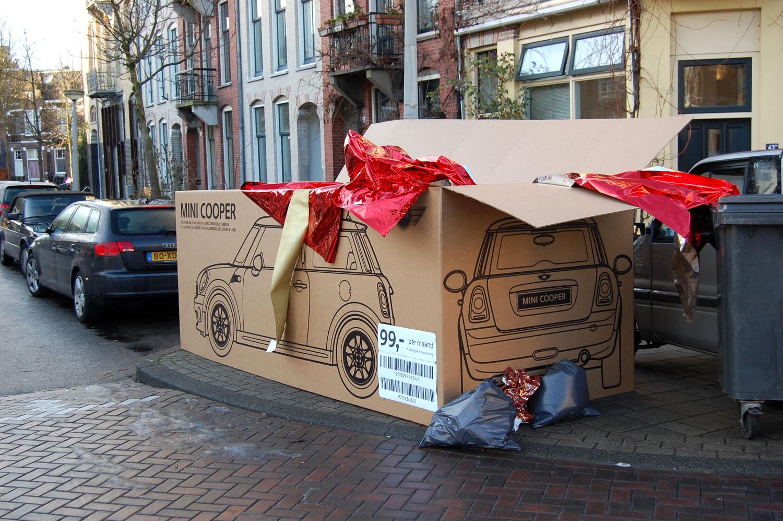 mini-cooper-marketing-strategy-gift-box